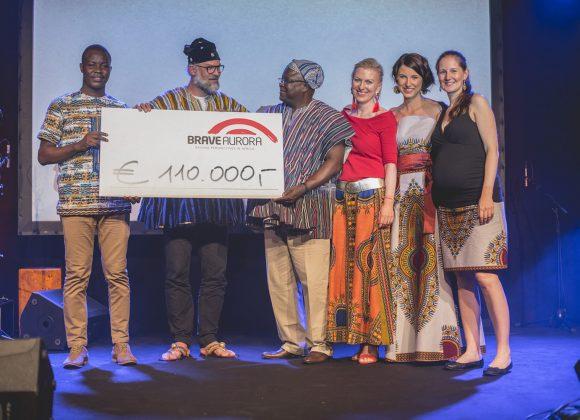 DANKE AN EUCH ALLE FÜR EIN GROSSARTIGES 10 JAHRES FEST: eine knallbunte Nacht für Ghana