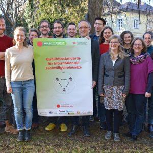 Orientierung im Volontariats-Dschungel: Servicestelle WeltWegWeiser macht sich gegen Freiwilligentourismus stark